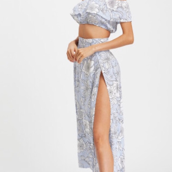 ROMWE Dresses & Skirts - Floral Print Crop Top with Slit Side Skirt